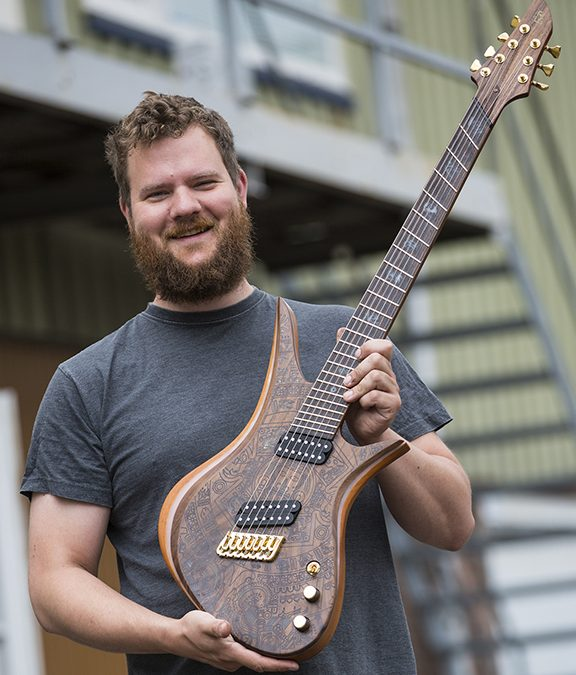 AutoCAD giúp thiết kế Guitar